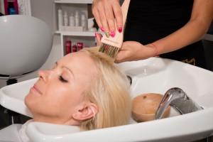 A terápia nyomán a hajad selymesen puha, könnyen kezelhetővé válik, sokkal könnyebb lesz a formázása
